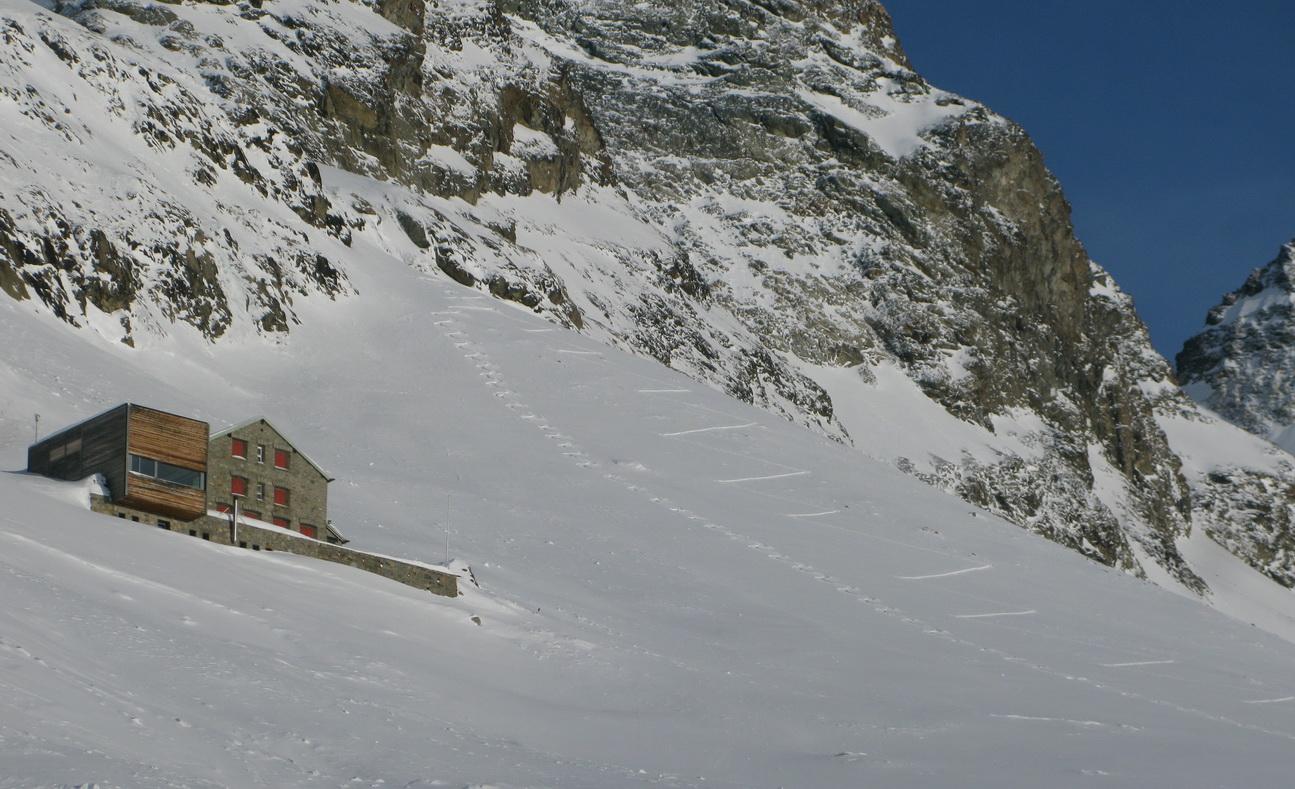 chata_Tschierva_je_zavretá_celú_zimu