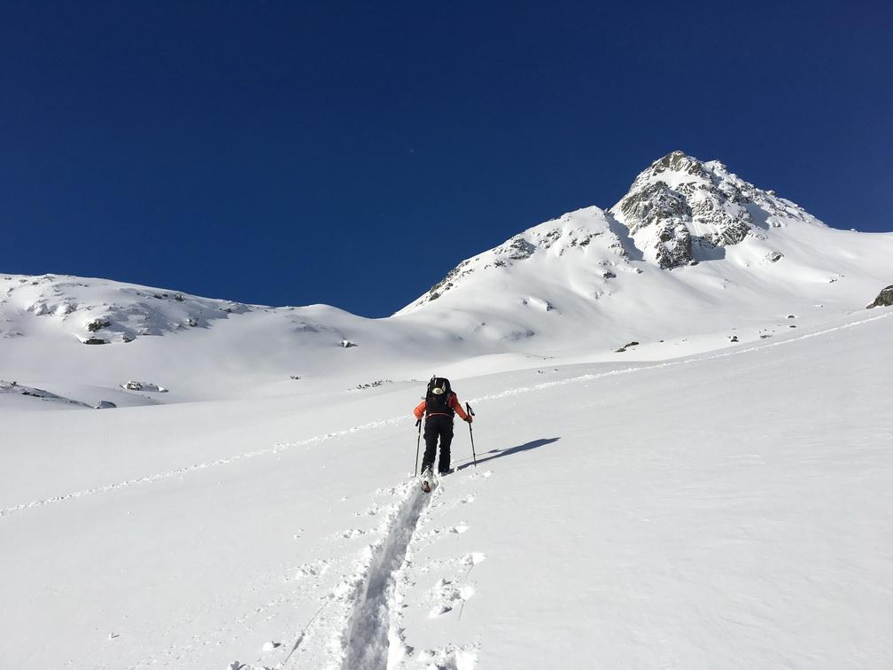 Tlačíme_stopu_zimnou_cestou_na_Rysy