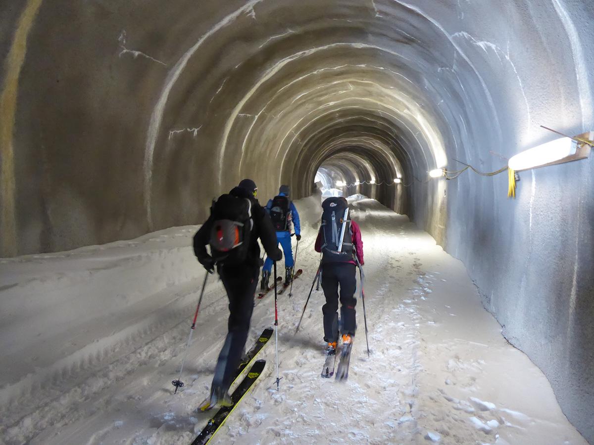 Tunelom_do_pravého_traverzu