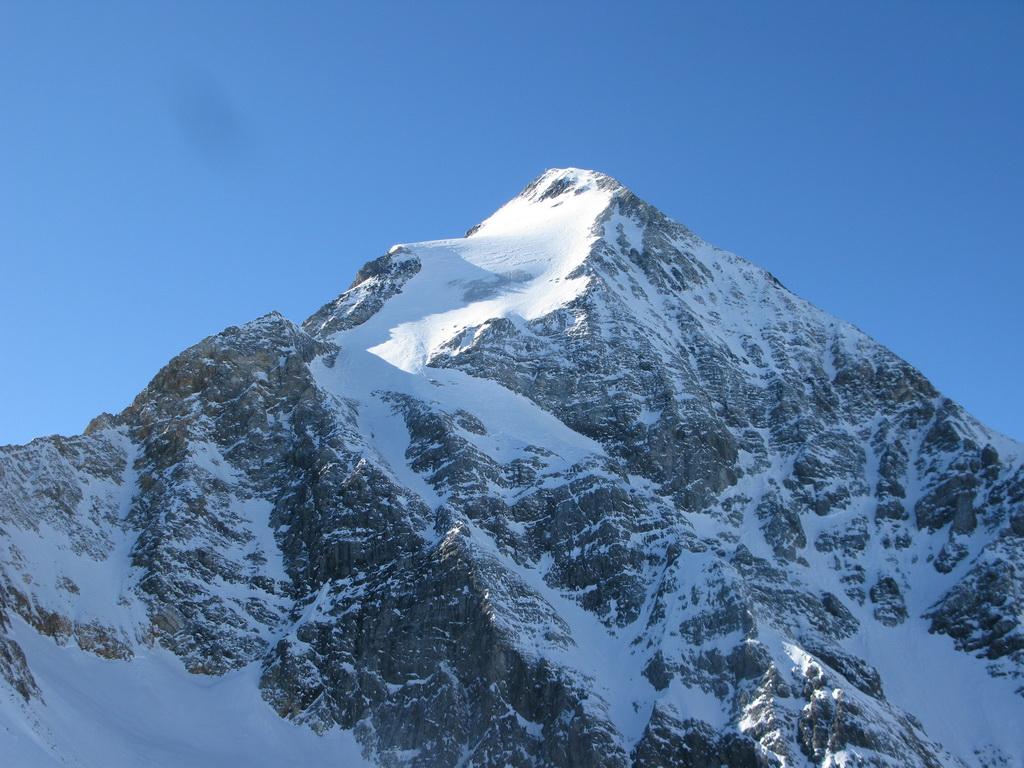 suldenske-sny-gran-zebru-konigspitze-3851m-vertical-limit