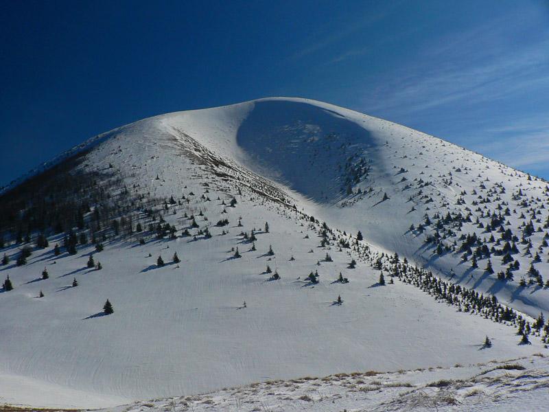 Skialpinizmus - Hrebeňovka Krivánskej Fatry na pásoch - Vetroplach ... 20c9009eb58